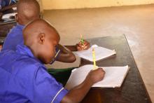 Schüler beim Unterricht im Straßenkinderzentrum