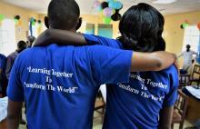 Studenten im Online-Lernprogramm bei Jesuit Worldwide Learning