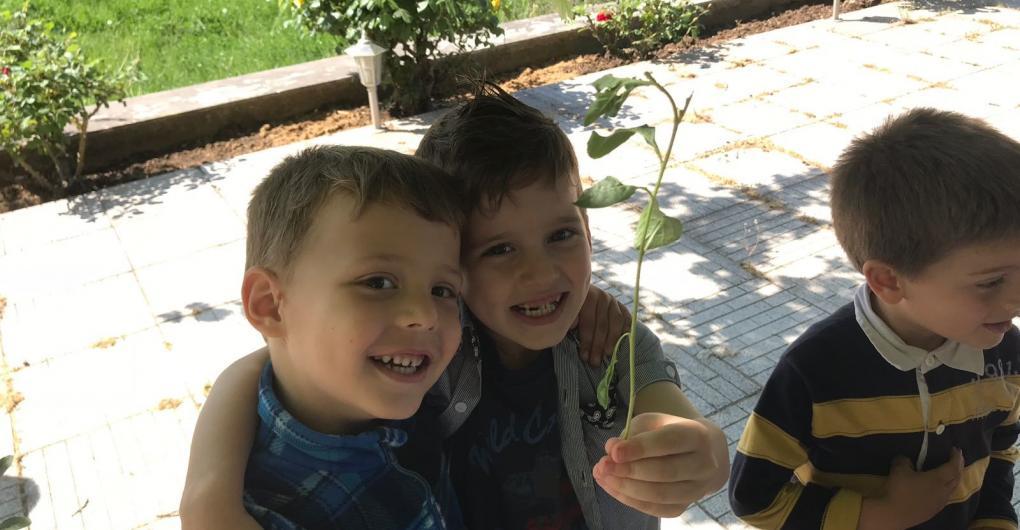 """Kinder im Kinder- und Jugendzentrum """"Arche Noah"""" in Shkoder, Albanien"""
