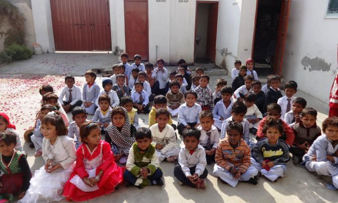 Unterricht in der Naziran Mary School