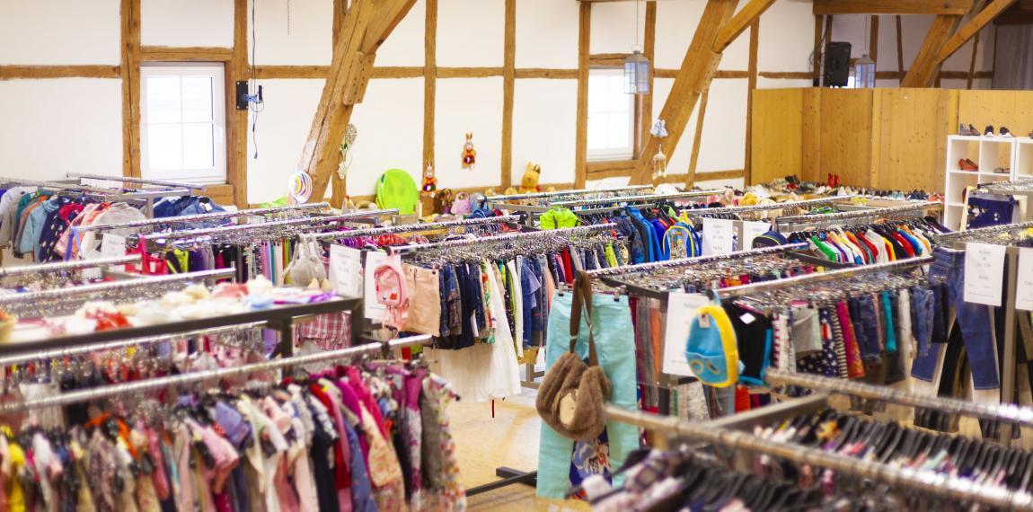 Kindermodemarkt im Secondhand-Shop Ettringen